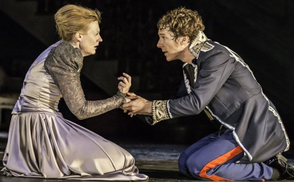Hamlet : Theater Review